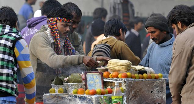 street-vendors-welcome-delhi-govt-rules-and-schemes-for-street-vendors-with-reservations