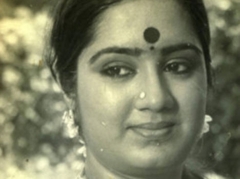 Indian actress died from heart attack