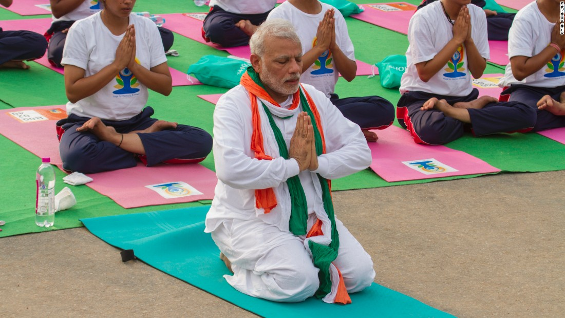 150621123723-02-modi-yoga-day-2106-super-169